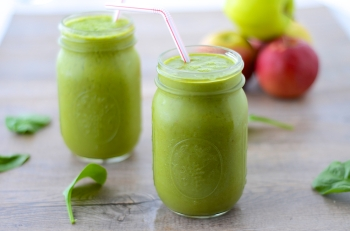 Green-Apple-Smoothie-2-1